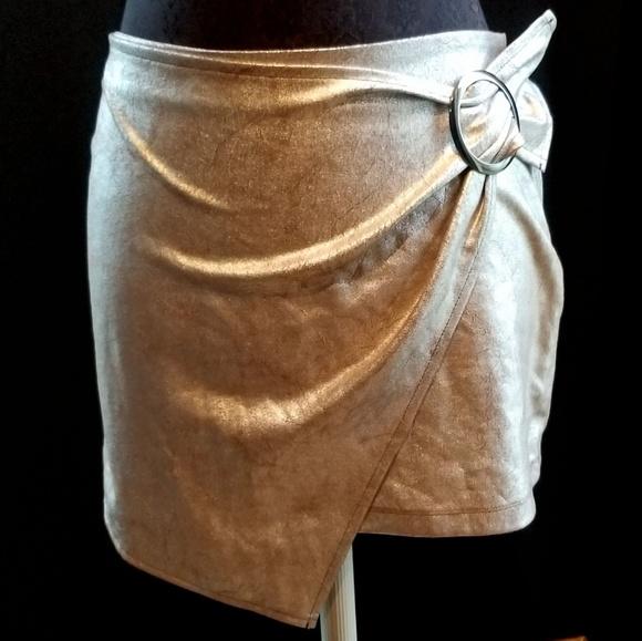 Zara Dresses & Skirts - Zara Metallic Skirt Medium